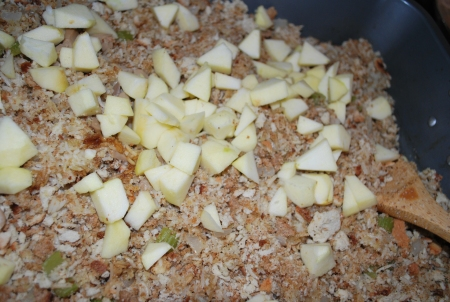 apple-pecan-rice-bread-turkey-stuff-3